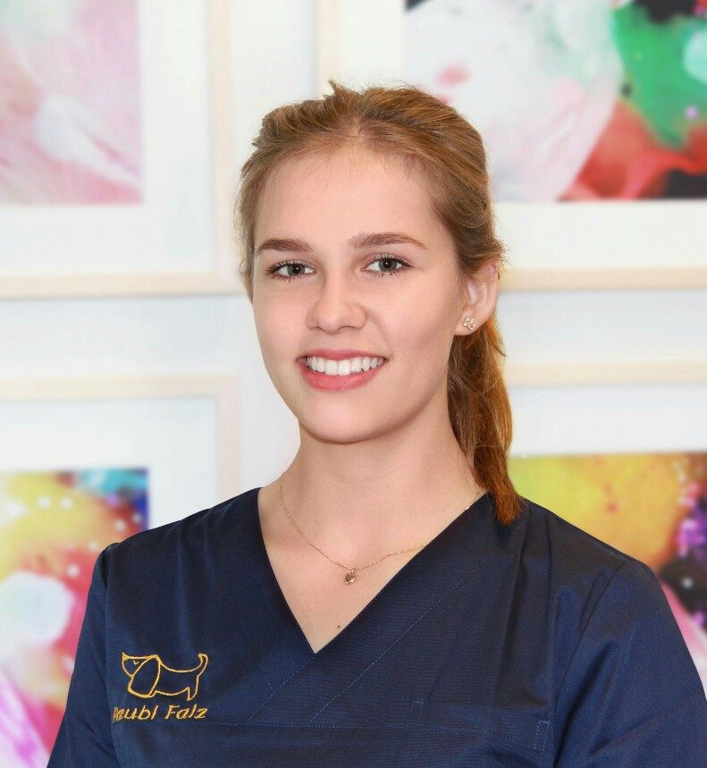 Tierarzthelferin Auszubildende Greta Falz