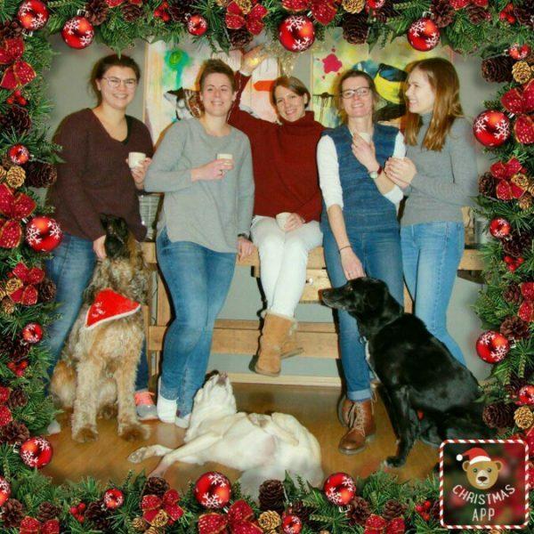 Gruppenfoto Glühwein in der Tierartzpraxis